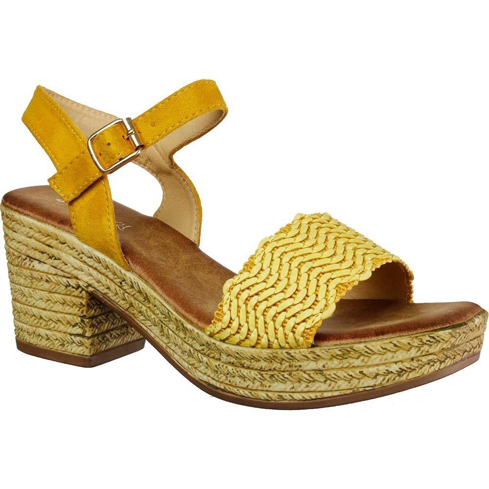 Sandały w stylu hiszpańskim